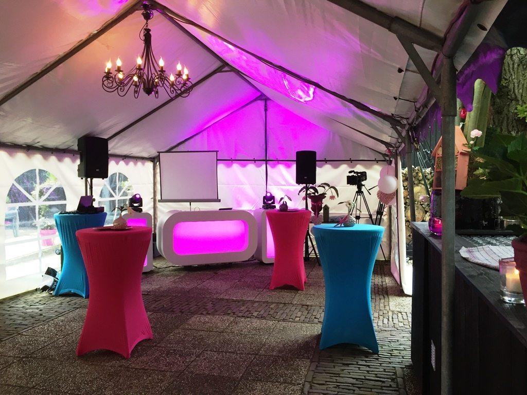 En.. zo zag het er in de tent uit waar DJ Rutger de muziek verzorgde!