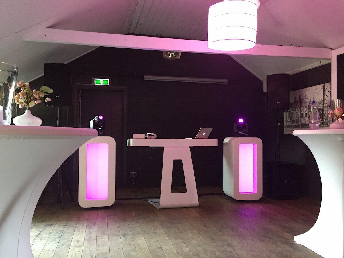 DJ Rutger vd M stond op de bruiloft van Marco & Alberto bij Buitenplaats de Houtmaat in Hengelo! Topzaaltje!
