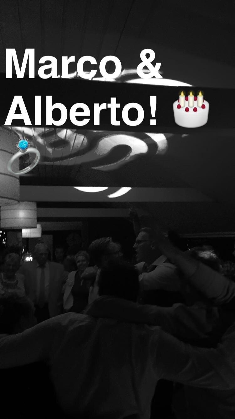 Het laatste nummer op de bruiloft van Marco & Alberto: U2 - with or without you. Het favoriete nummer van het bruidspaar!