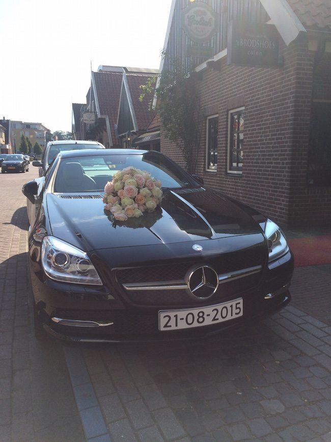 De trouwauto van Gert-jan & Lianne! Zij trouwden bij het Brodshoes in Rijssen!