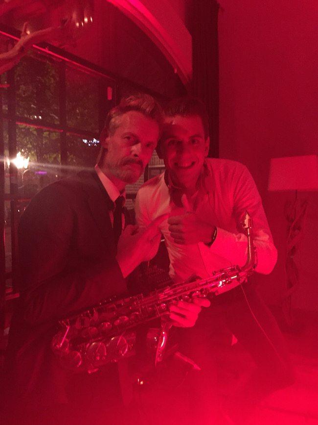 DJ Mark draaide met saxofonist J-Sax! Hij speelde voor het eerst met ons mee, was top!