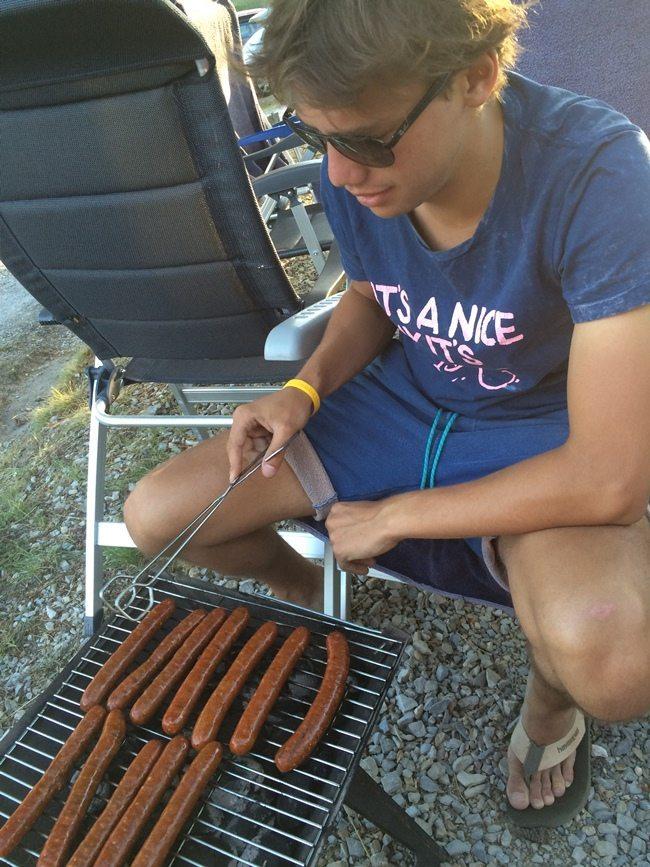 In de tweede vakantieweek van ons stonden we een aantal dagen op de camping. Uiteraard mag een barbecue dan niet ontbreken :-). En die ontbrak ook niet!