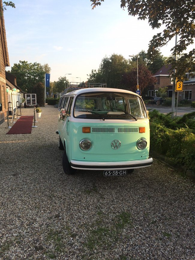 Voor mensen die op zoek zijn naar inspiratie voor een trouwauto, de volgende foto's! Of gewoon voor liefhebbers van auto's ?