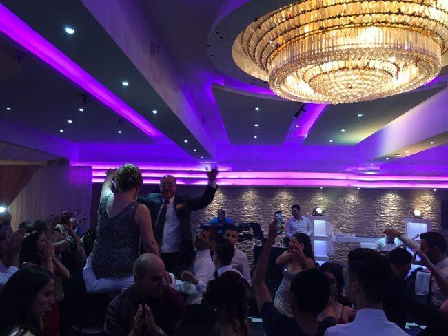 DJ Rutger had een samenwerking met een Syrische band. Ook wanneer zij speelden was het groot feest!