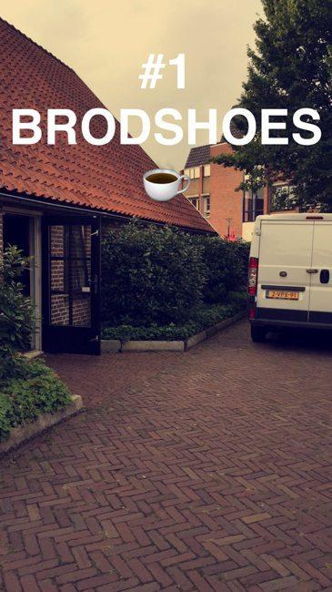 De eerste show die vrijdagochtend in alle vroege werd opgebouwd bij het Brodshoes in Rijssen met een kopje koffie on the side! ☕️