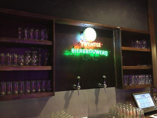 DJ Rutger stond op de prachtige locatie: De Twentse Bierbrouwerij/proeflokaal in Hengelo! ?