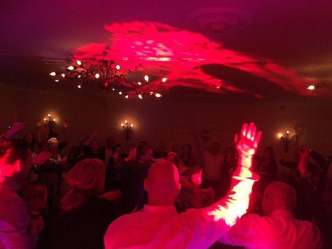 Het werd een super leuke avond op de bruiloft van Bas & Siegrid! Hier een foto van het afsluitende nummer :-)