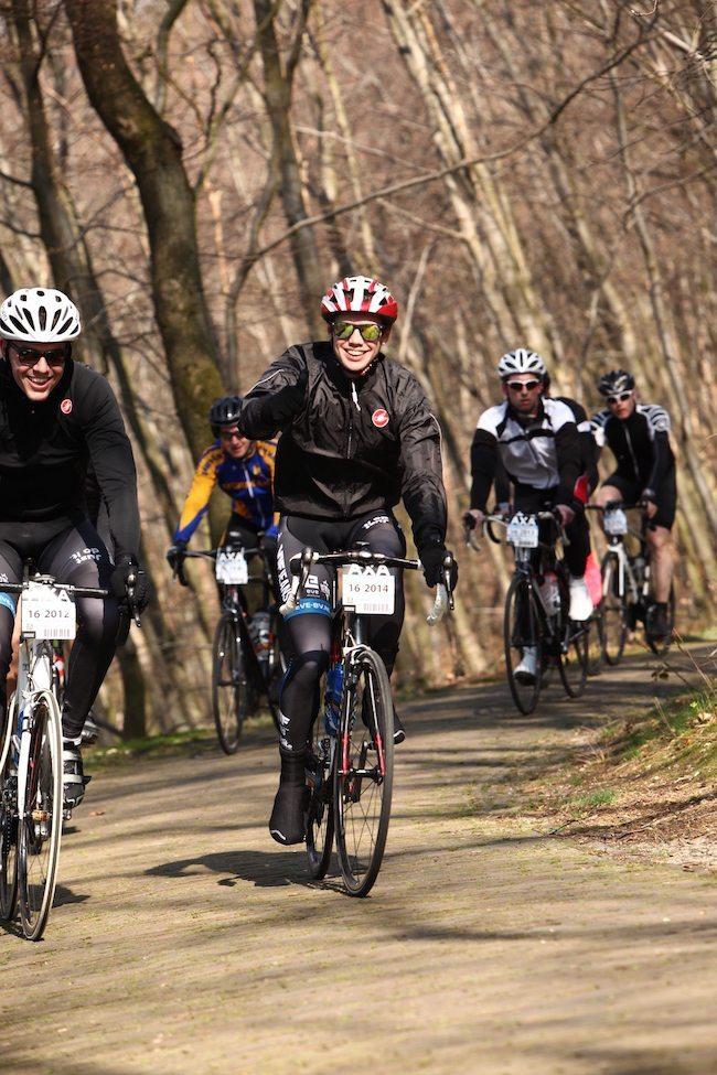 Ter voorbereiding op het drukke seizoen fietsten Mark en Rutger de Amstel Gold Race op 16 April! Ter voorbereiding werd ook de toerklassieker Veenendaal - Veenendaal gefietst! Zoals je ziet.. ging dat lachend! ?
