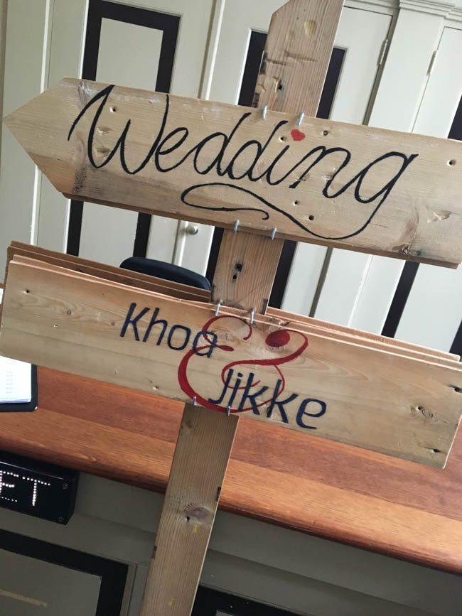 Snel door naar zaterdag! Op zaterdag rezen we helemaal af naar Utrecht ?. Daar draaiden we op de bruiloft van Jikke & Khoa op het prachtige stadskasteel 'Oudean'!