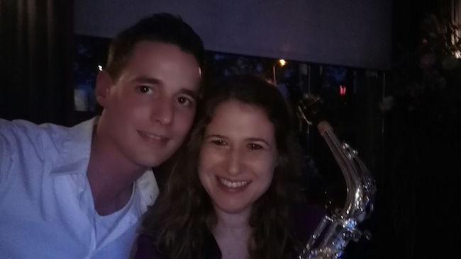 In Zenderen verzorgden DJ Rutger E samen met Saxofonist Yvonne het huwelijksfeest van Tom & Nienke. Het werd een bruisend feest bij Het Seminar! ??
