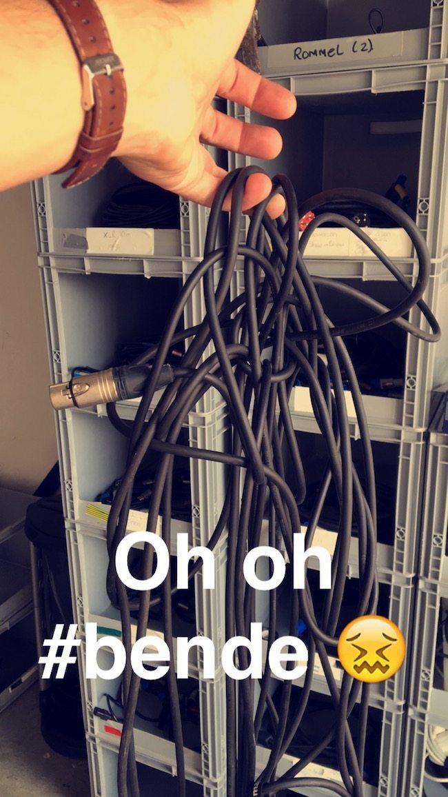 Soms komen er ook wel eens wat minder nette kabels terug... Risico van het vak zeggen we dan maar :-)