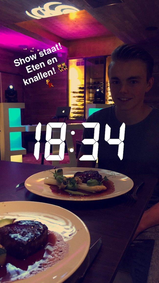 Sander bouwde zijn laatste show op in Rozendaal bij #TheHuntingLodge! Daarna lekker een hapje eten met DJ Rutger! ??