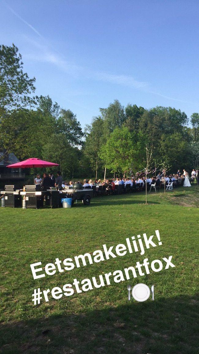 """De """"I-do-barbecue"""" op de Dijk bij Restaurant Fox in Denekamp! Gerlinde & Koen genoten met hun familie en vrienden van een fantastisch diner. Een plaatje toch? ☀️??"""