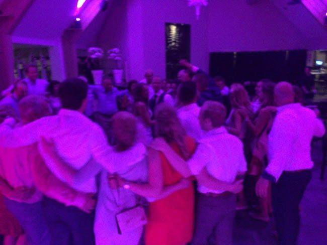 Ook bij DJ Olivier in Denekamp zat het feest er goed in! De dansvloer stond van begin tot eind bomvol! ??