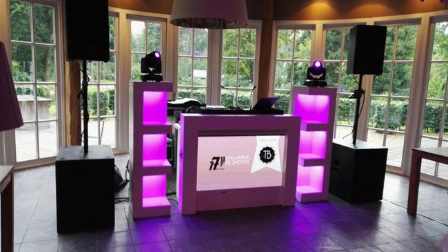 Snel door naar zaterdag! DJ Rutger Emmens stond bij Outdoors Holten op de bruiloft van Aartjan & Jeldau met de Exclusieve DJ Show! Time to party! ??