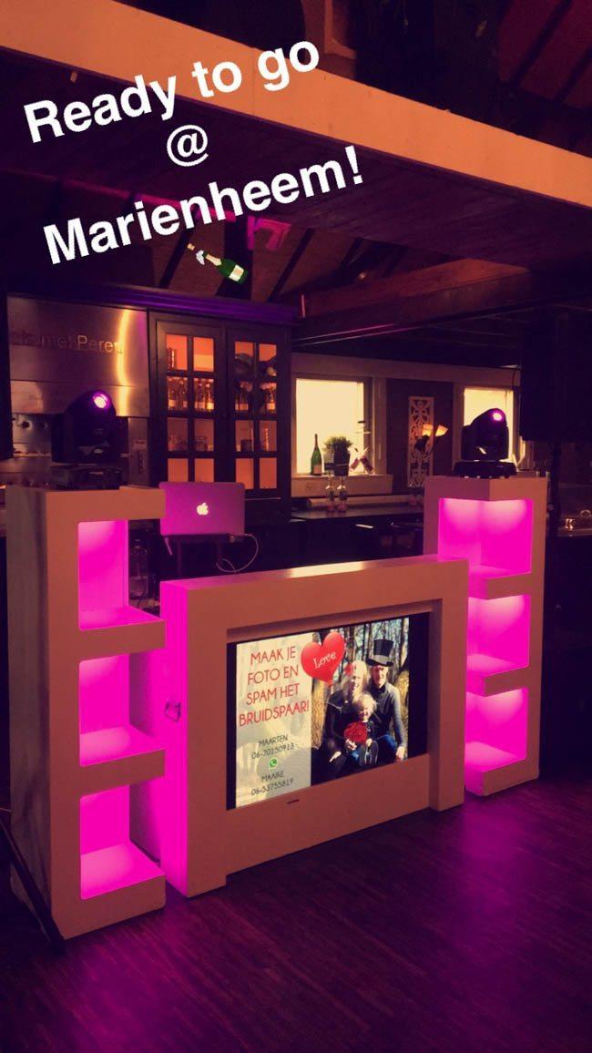 Snel door naar vrijdag, DJ Mark stond op de bruiloft van Maaike & Maarten bij de Kruidentuin te Marienheem! ?