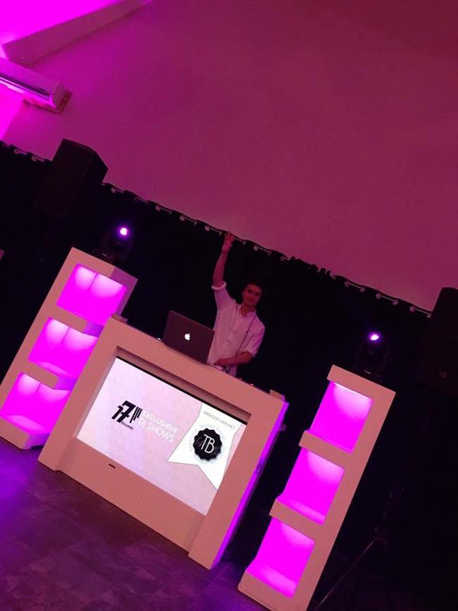 Ook op vrijdag stond DJ Olivier bij Fox in Denekamp! Say Hello to the DJ! ??