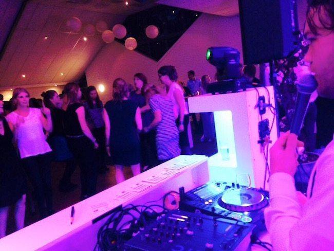 In Dalfsen stond DJ Bart klaar voor Ilze & Rick! Wat een feest was dat. Hoe staat het met de kater in Dalfsen en omstreken vandaag? :-) ?