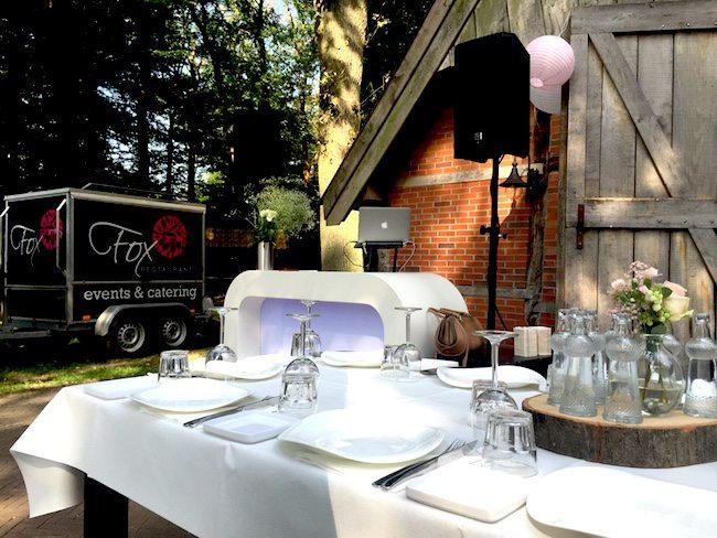 Zaterdag stonden we alweer vroeg klaar bij Erve Beverborg! Lounge beats tijdens de receptie en het diner, de catering (uiteraard) door Restaurant Fox! ?