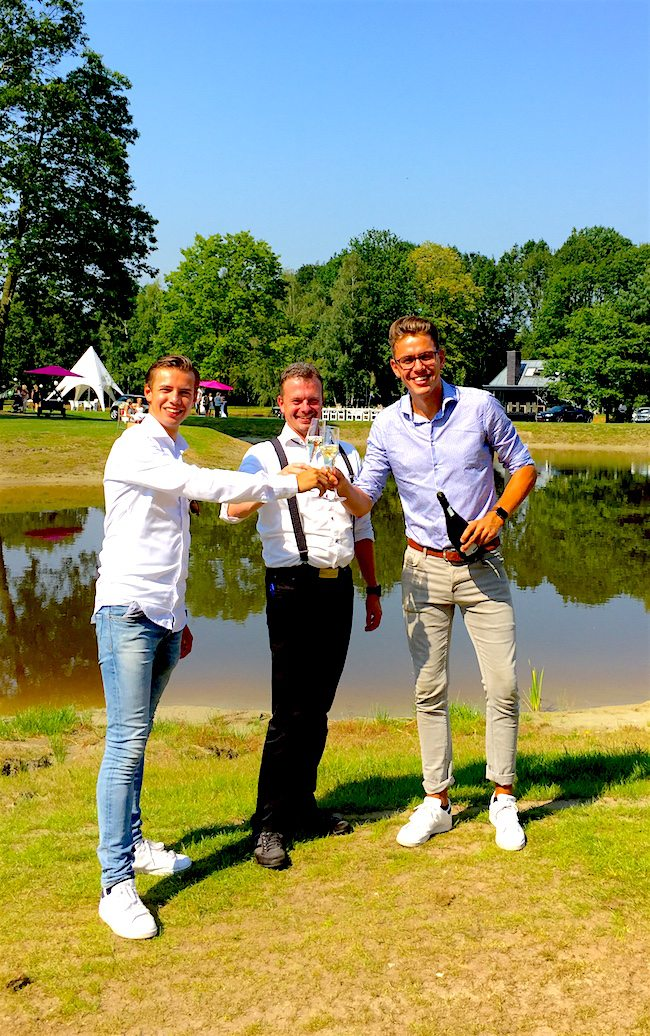 Brides, bubbles en beats! Mark Fox van Restaurant Fox verzorgde samen met Marion van Zutphen (weddingplanner) weer een fantastische beurs! Credits! ??