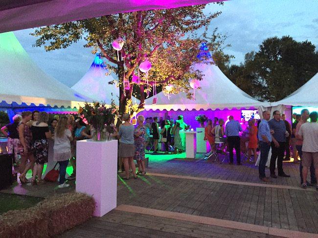 In Rheeze was alles prachtig aangekleed door 'Zandstuve Catering & Evenementen'. Ook op zoek naar een goede cateraar? Zeker een aanrader!