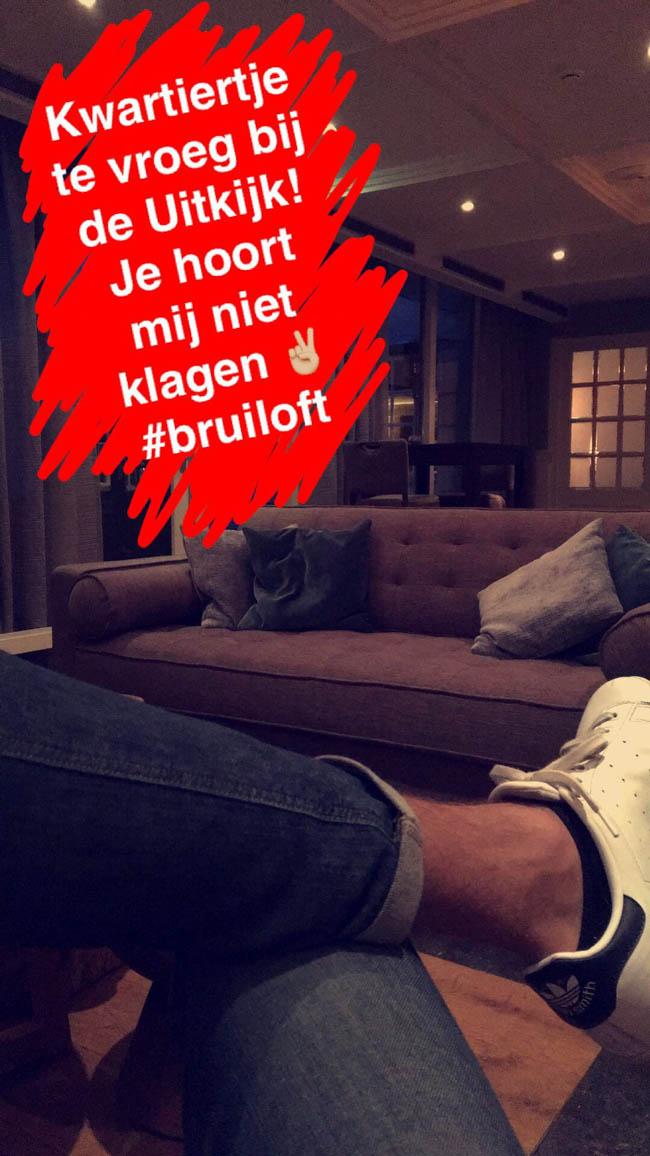 DJ Mark reisde vrijdag af naar de Uitkijk in Hellendoorn. Hier is een half uurtje uitloop van het diner helemaaal geen probleem, toch? ?