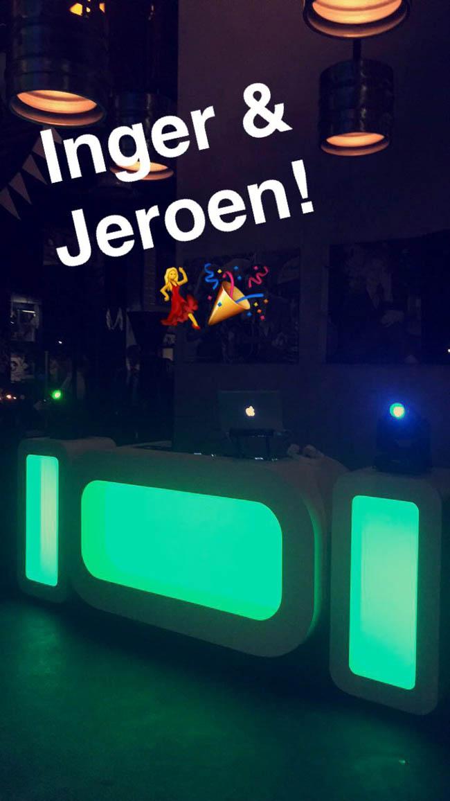 DJ Rutger draaide bij de Twentse Bierbrouwerij te Hengelo! Ook hier een strakke Oval DJ Show! ?